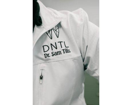 Dr. Tilis